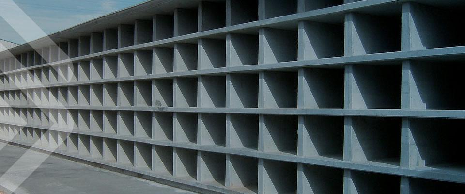 GALLIZO. Construcción. Prefabricados funerarios. Nichos